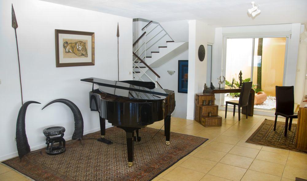 Espace séjour piano